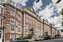 4 bed Flat in St. Johns Wood High...