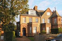 Flat for sale in Killieser Avenue...