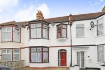 3 bed Terraced property for sale in Park Avenue, Mitcham