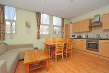 4 bed Flat in Pitcairn Road, Mitcham