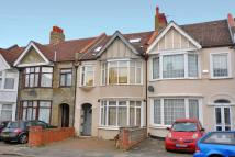 1 bed Flat for sale in Park Avenue, Mitcham