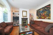 3 bedroom Terraced house in Crowborough Road, Tooting