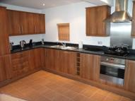 Flat to rent in Weir Court...