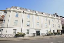 2 bed Apartment in Riding gate...