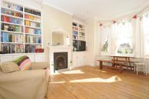 2 bed Flat for sale in Thornlaw Road...