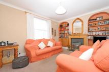 2 bedroom semi detached house in Clive Road, West Dulwich