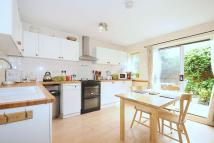 2 bedroom Flat in Ulverstone Road...
