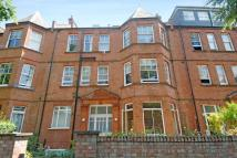 2 bedroom Flat for sale in Compayne Gardens...