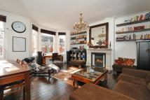 Flat for sale in Inglewood Road...