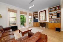 3 bedroom Flat for sale in Holmdale Road...