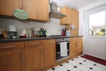 3 bedroom Flat in Studley Grange Road...