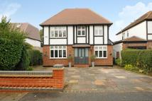 5 bedroom Detached house in Brabourne Rise...