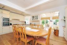 4 bed semi detached house in Chestnut Avenue...