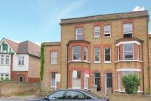 2 bed Flat in Griffiths Road, Wimbledon