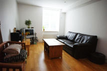 Flat to rent in VANBRUGH HILL, London...