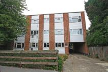1 bedroom Ground Flat in CHURCHFIELDS...