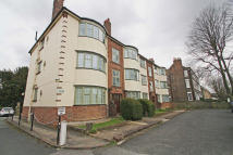 1 bedroom Flat in WOODFORD ROAD...