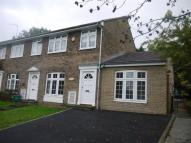 5 bed house in Wood Rise, Guildford GU3...
