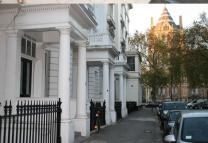 Studio flat in Queensberry Place...