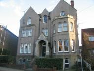 Flat to rent in South Road, Faversham...