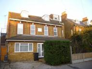 Studio flat to rent in Victoria Park, Herne Bay...