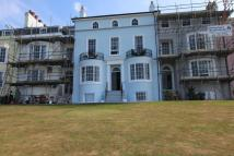 2 bedroom Flat in Central Parade...