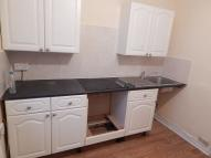Flat to rent in Houghton Road, Dunstable...