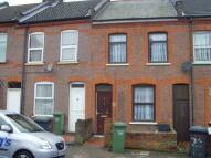 2 bedroom Terraced property to rent in BUTLIN ROAD, Luton, LU1