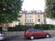 Flat to rent in Oakfield Mansions...