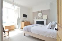 5 bed End of Terrace home in Upper Belgrave Road...