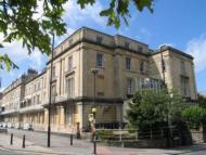 3 bedroom Flat to rent in Lansdown Place, Clifton