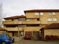 Maisonette to rent in Serpentine Court...