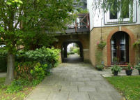 1 bedroom Ground Flat to rent in ALBANY MEWS, Ware, SG12