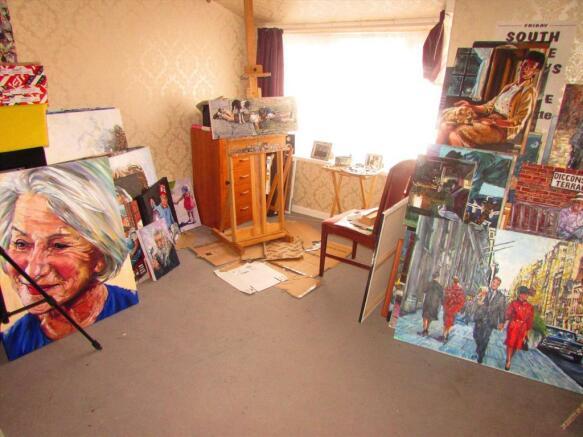 Bedroom 3/Art room
