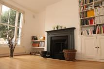 Flat in Lansdowne Drive, London...