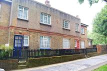 3 bedroom Cottage to rent in Regents Row, London, E8