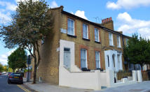 3 bed Maisonette in Lansdowne Drive, London...