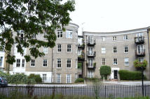 1 bed Ground Flat for sale in CADOGAN TERRACE, London...