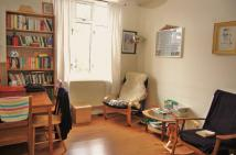 Apartment to rent in SHACKLEWELL LANE, London...