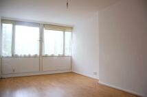 Maisonette to rent in SHRUBLAND ROAD, London...