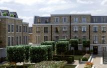 Town House for sale in London Square, Farm Lane...