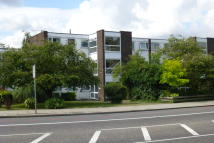 2 bed Flat in Bromley Road, Bromley...
