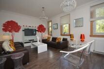 3 bedroom Flat in Tamfourhil Road, Falkirk...