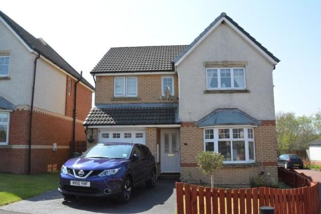 4 bedroom detached house for sale in Wallacebrae Rise