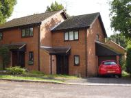 2 bedroom semi detached property to rent in Oak Piece, Old Welwyn...