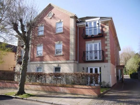 1 Bedroom Ground Floor Flat For Sale In 27 Manor Park Road