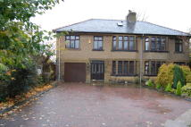 5 bedroom semi detached property to rent in 512 Colne Road...