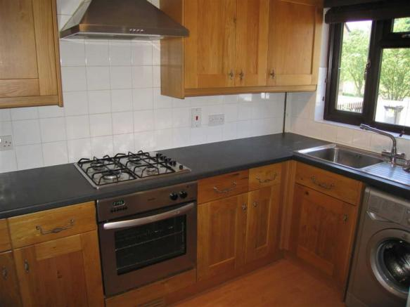 RE- FITTED KITCHEN