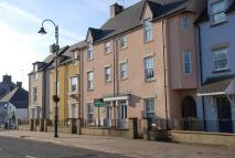 Town House to rent in 2 Riverside Mews...