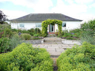 4 bedroom Detached Bungalow for sale in Troloss...